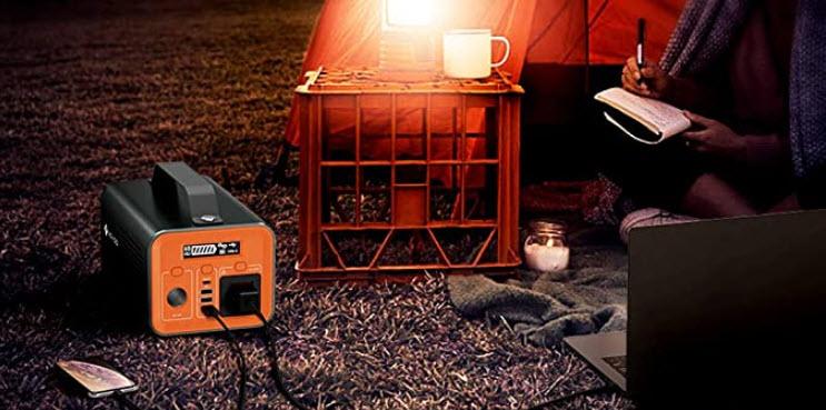 Groupe électrogène solaire pendant le camping